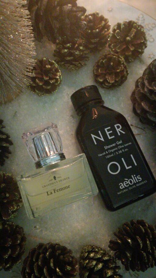 Πακέτο δώρου με άρωμα 65ml LΑ FEMME και Shower gel για την Βαθιά Θρέψη της επιδερμίδας με Φύλλα Ελιάς Βιολογικής Καλλιέργειας & Νερολί, 100ml