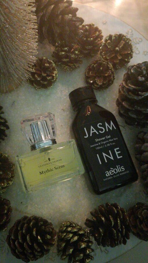 Πακέτο δώρου με άρωμα 65ml ΜYTHIC SCENT και Shower gel για την Εντατική Βαθιά Ενυδάτωση με Βιολογική Αλόη Βέρα & Γιασεμί, 100ml